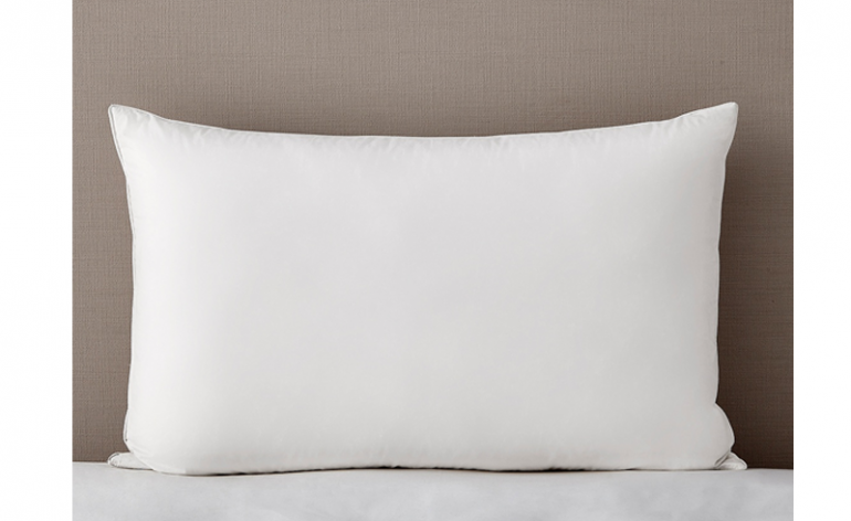 The White Company_White-Feather-and-Down-Pillow review